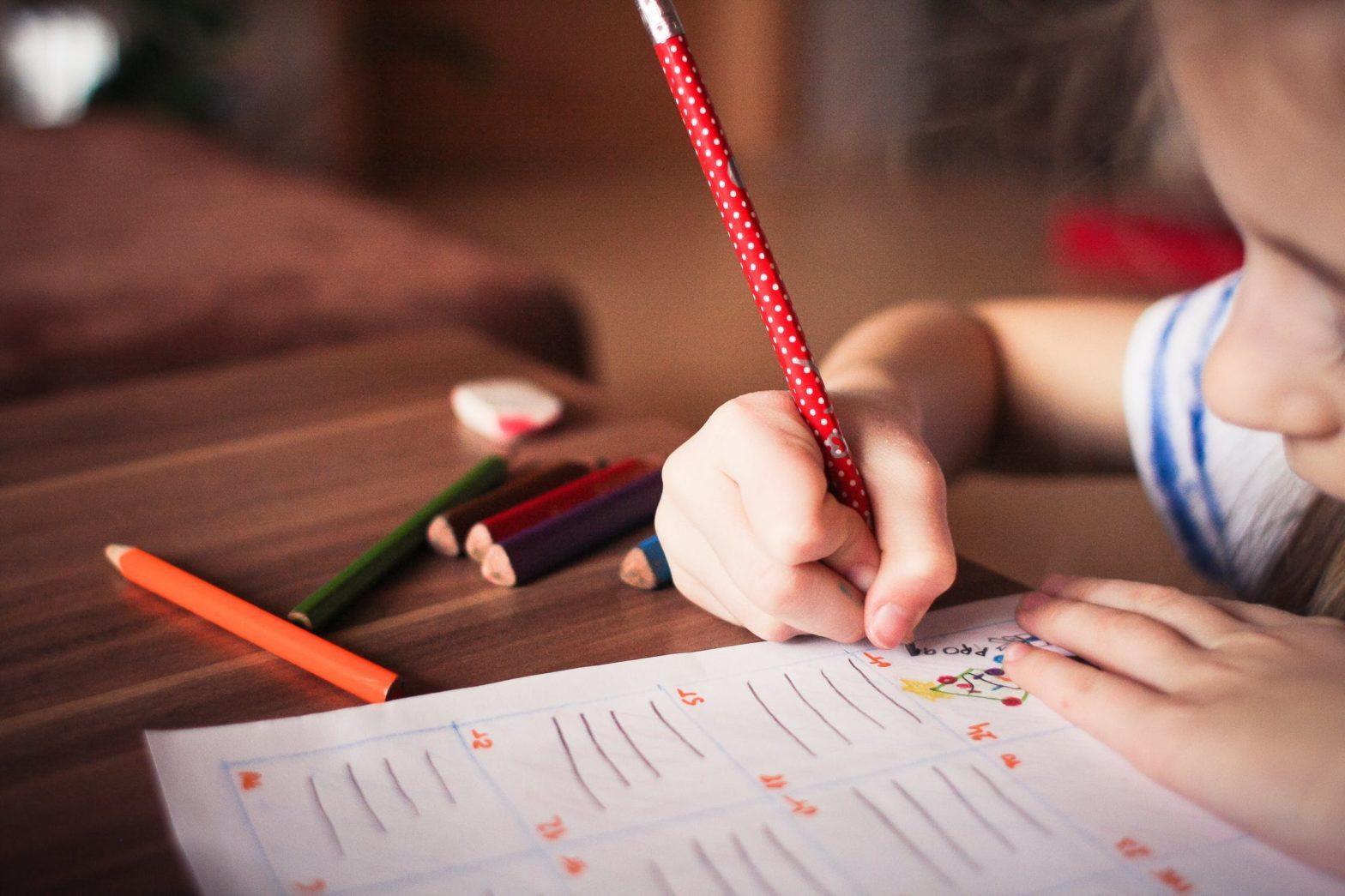 Emploi, aide scolarité